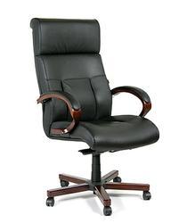Кресло для руководителя СН421. Респектабельное и комфортное